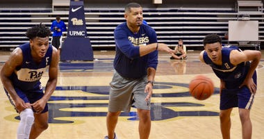 Pitt basketball coach Jeff Capel at practice in 2018