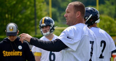 Steelers QB Ben Roethlisberger at OTA in 2019