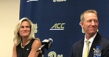 Mike Bell introduced as Pitt baseball coach