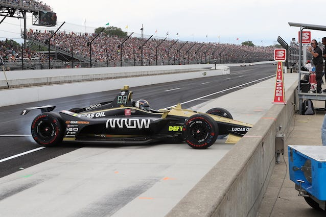 Arrow Schmidt Petersen Motorsports Marcus Ericsson Spins On Pit Road At The 103rd Indianapolis 500