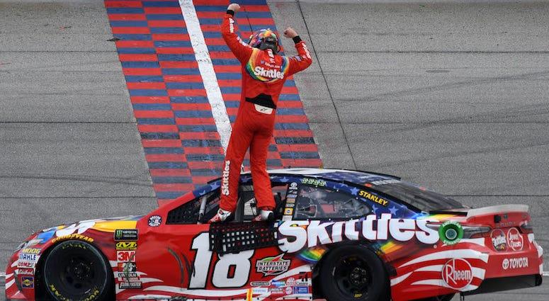 Kyle Busch Wins At Chicagoland Speedway
