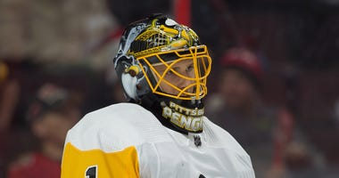 Pittsburgh Penguins goalie Casey DeSmith