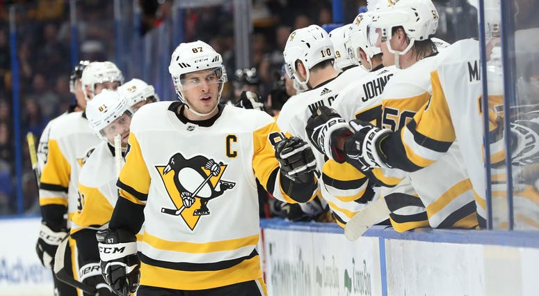 Sid celebrates goal with teammates