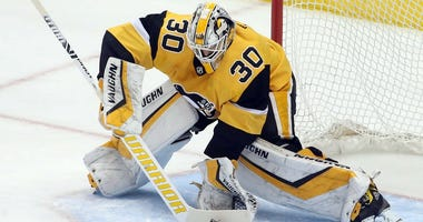 Pittsburgh Penguins goaltender Matt Murray makes a save against the Columbus Blue Jackets