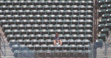 empty crowd