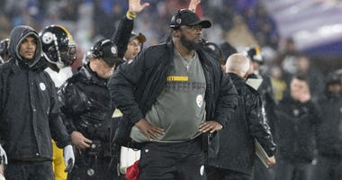 Mike Tomlin on sideline