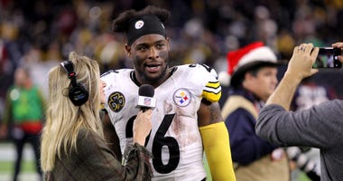 Le'Veon Bell and reporter