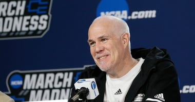 Mark Schmidt Is Reportedly A Candidate For The Pitt Job