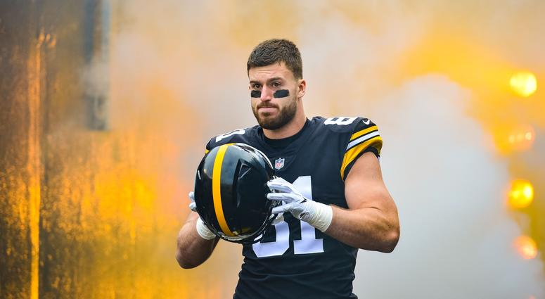 Pittsburgh Steelers tight end Jesse James