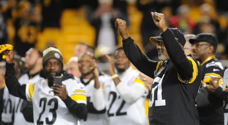 Pittsburgh, PA, USA; Pittsburgh Steelers former safety Donnie Shell (31) during a recognition of the Super Bow