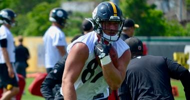 Steelers TE Kevin Rader at practice in 2019