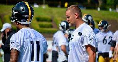Steelers quarterback Ben Roethlisber with wide receiver Donte Moncrief at training camp 2019