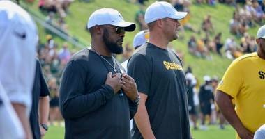 Steelers coach Mike Tomlin and quarterback Ben Roethlisberger at training camp in 2019