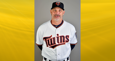 Twins bench coach Derek Shelton
