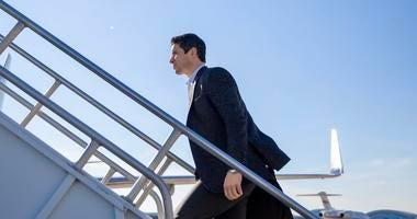 Sidney Crosby boarding a plane to Las Vegas