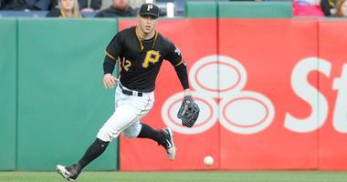 Pirates left fielder Corey Dickerson