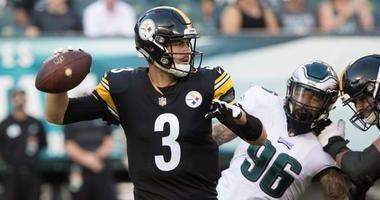 Pittsburgh Steelers quarterback Landry Jones