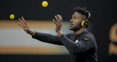 Pittsburgh Steelers wide receiver Antonio Brown prior to kickoff against the New Orleans Saints at the Mercedes-Benz Superdome.
