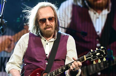 May 5, 2017; West Palm Beach, FL, USA; Tom Petty performs at Perfect Vodka Amphitheatre