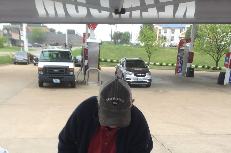 Van Lorenz and Missouri Lottery at Walis Petroleum
