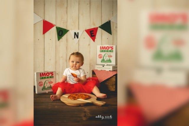 Imo's baby smash pizza