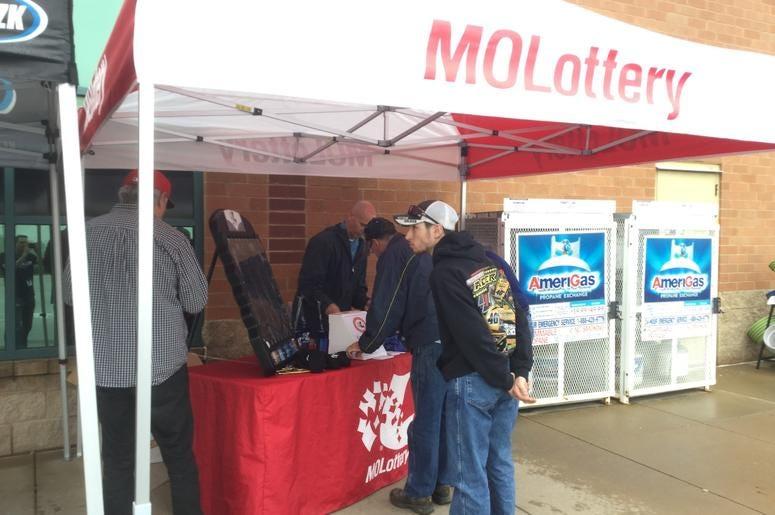 Van Lorenz and Missouri Lottery at Schnucks