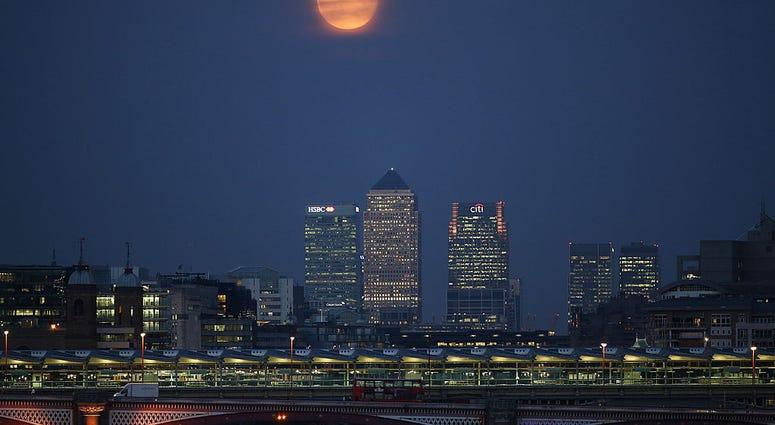 harvest moon in london, england