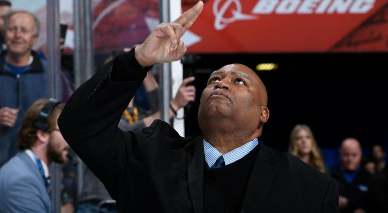 Charles Glenn sings the national anthem at the St. Louis Blues games