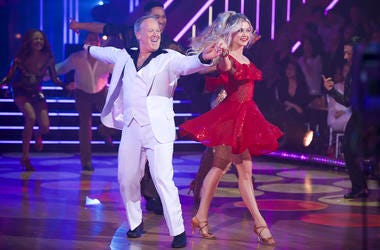 sean spicer and lindsay arnold on dancing with the stars