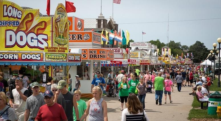 WATCH: Democratic presidential candidates eat fried food at Iowa state fair