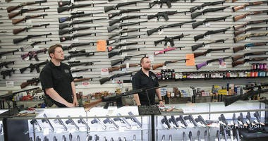 Gun manufacturer and dealer in Illinois