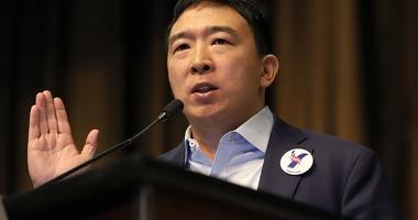 "Yang ""cupid shuffles"" his way into voter's hearts"