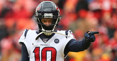 Houston Texans wide receiver DeAndre Hopkins (10) points to teammates before an NFL Divisional round playoff game between the Houston Texans and Kansas City Chiefs on January 12, 2020 at Arrowhead Stadium in Kansas City, MO.