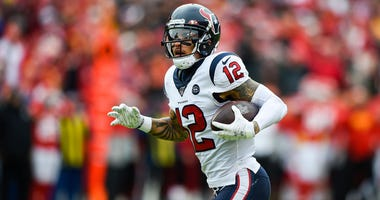 Houston Texans wide receiver Kenny Stills runs in a touchdown early in the first quarter against the Kansas City Chiefs Sunday, Jan. 12, 2020.