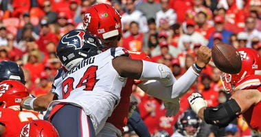 Rookie DE Charles Omenihu Making Impact For Texans