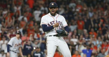 Astros Hold On To Beat Tigers
