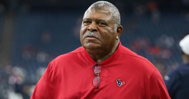 Houston Texans defensive coordinator Romeo Crennel before a game against the Los Angeles Rams at NRG Stadium.