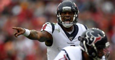 Houston Texans quarterback Deshaun Watson (4) calls an audible during the fourth quarter against the Tampa Bay Buccaneers at Raymond James Stadium.