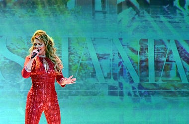 shania on stage