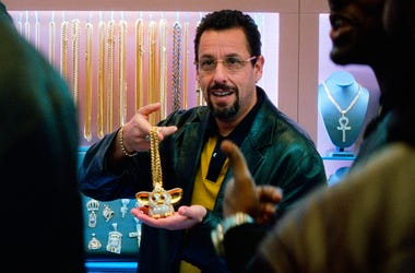 """This image released by A24 shows Adam Sandler in a scene from """"Uncut Gems."""" (A24 via AP)"""