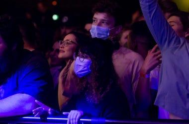 Masks at concert