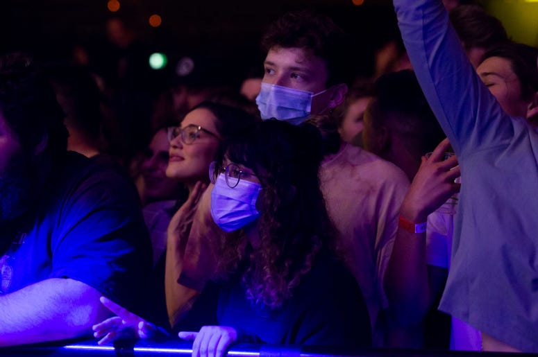 Masks at concert