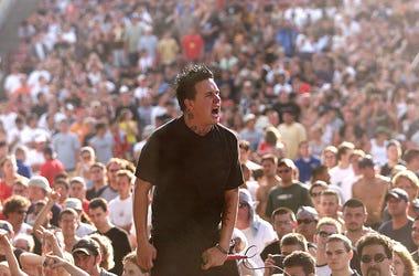 Papa Roach, 2001