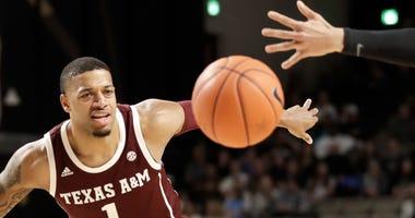 Texas A&M guard Quenton Jackson