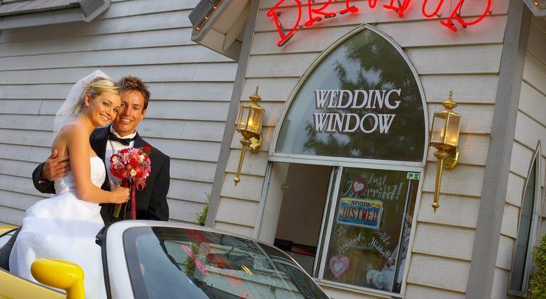 las vegas drive up wedding chapel
