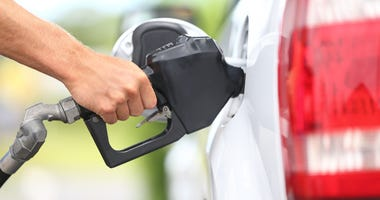 Gas nozzle in vehicle