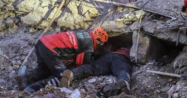 Turkish teams hunt for quake survivors as death toll hits 36