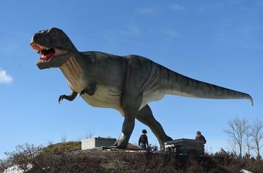 Dinosaur_Statue