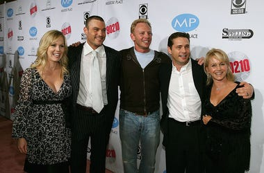 Jennie Garth, Brian Austin Green, Ian Ziering, Jason Priestley and Gabrielle Carteris