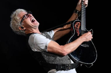 Kevin Cronin, REO Speedwagon, Guitar, Concert